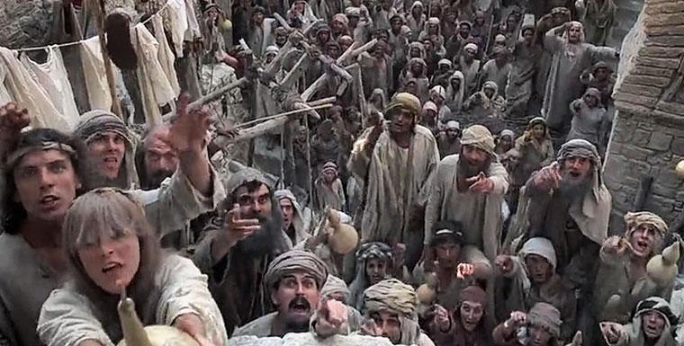 A Brian élete c. filmből jelenet, amikor a tömeg azt skandálja: Mi mind egyéniségek vagyunk!